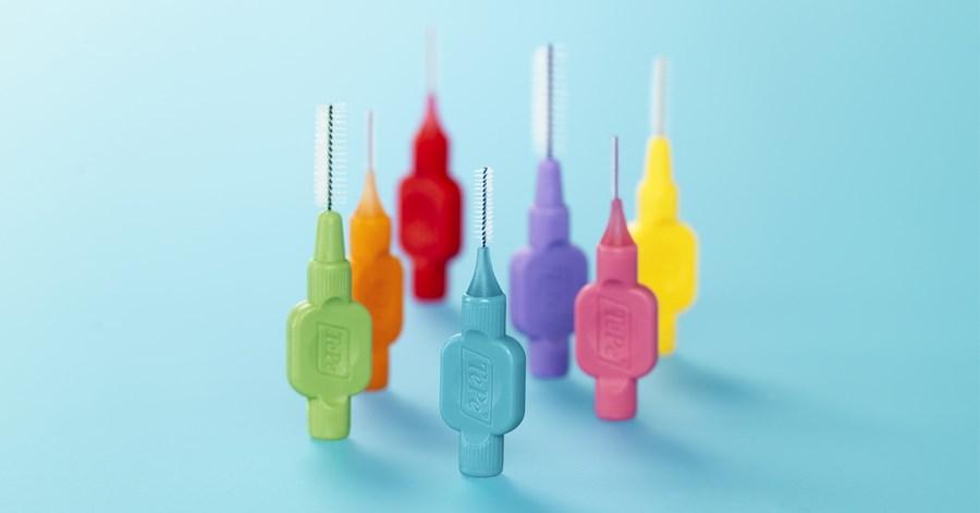Hoe mondhygiëne bij keramische implantaten